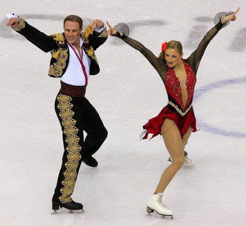 Навка и Костомаров покорили членов жюри Олимпиады, исполнив страстный танец «Кармен» в произвольной программе