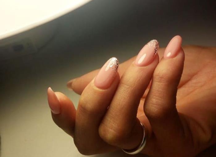 Ногти, наращенные гель-лаком