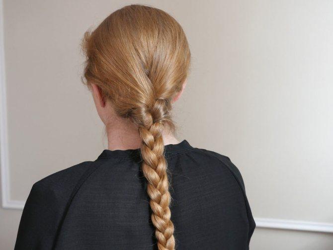 обычная трехпрядная коса