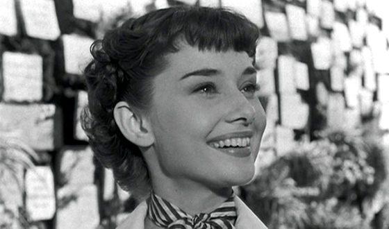 Одри Хепбёрн снялась в мелодраме «Римские каникулы Уильяма Уайлера, после которой ее полюбил весь мир.