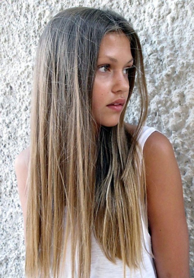 Омбре с эффектом выгоревших волос на пепельно-русых волосах