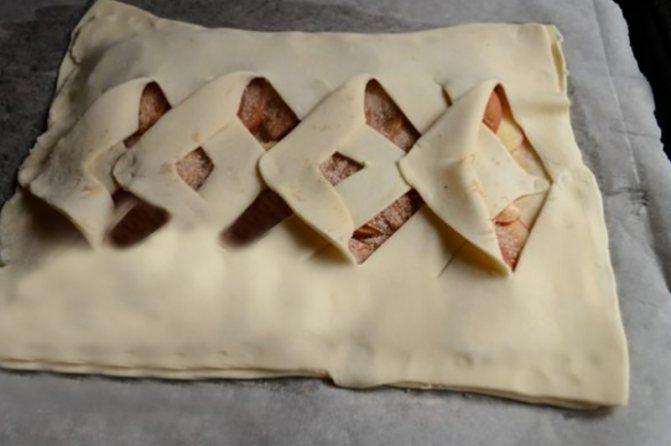 Оригинальное оформление слоеного пирога