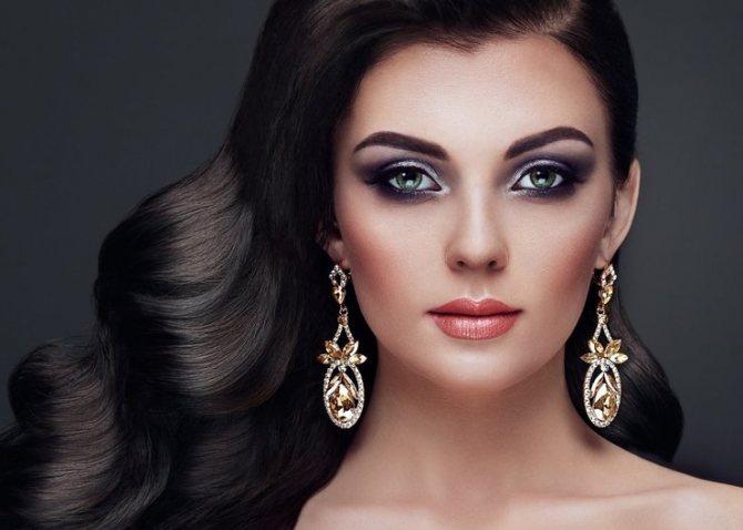 Особенности макияжа для брюнеток