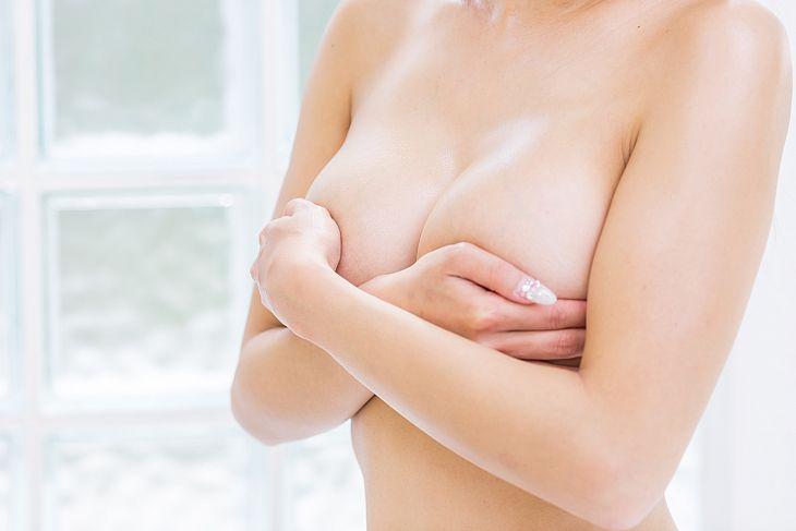 Особенности применения пажитника для увеличения груди