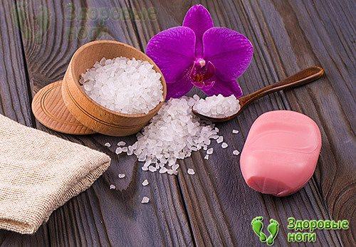 От пяточной шпоры соль применяется уже давно и достаточно эффективно