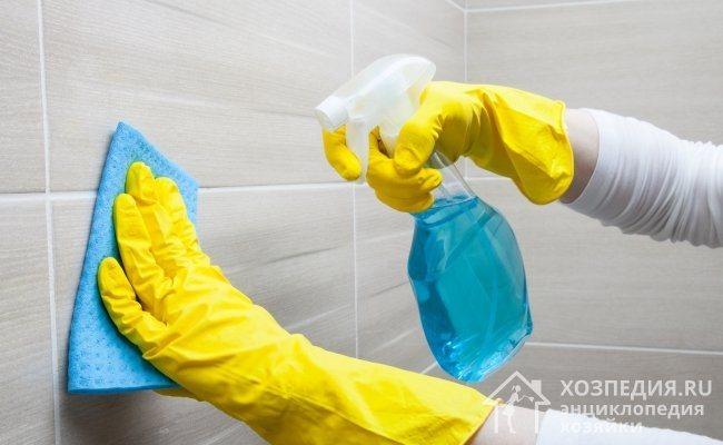 Отмыть стены и пол из кафеля помогут специальные бытовые средства