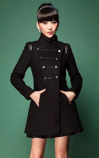 пальто с отделкой милитари