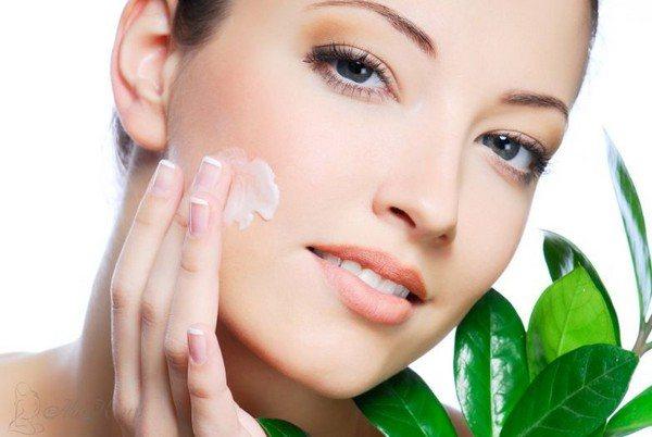 Перед процедурой нужно наносить на кожу защитные косметические средства