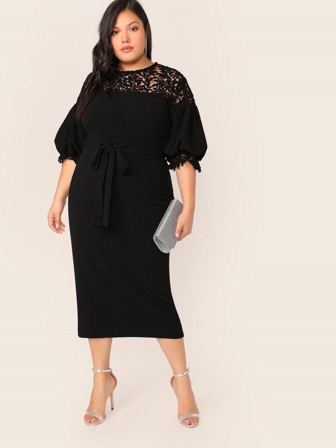 Платье-карандаш с оригинальным рукавом и кружевом размера плюс