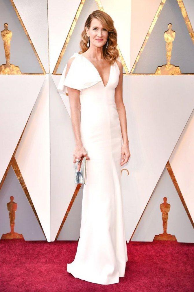 Платье Лоры Дерн на красной дорожке Оскар-2018