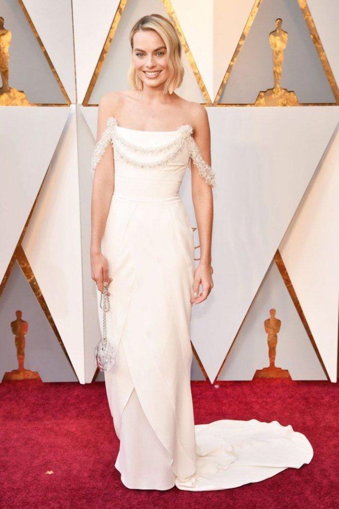 Платье Марго Робби на красной дорожке Оскар-2018