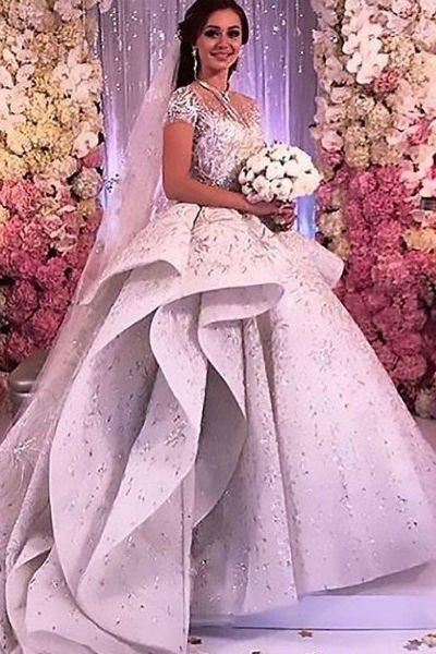 Платье невесты стоило целое состояние