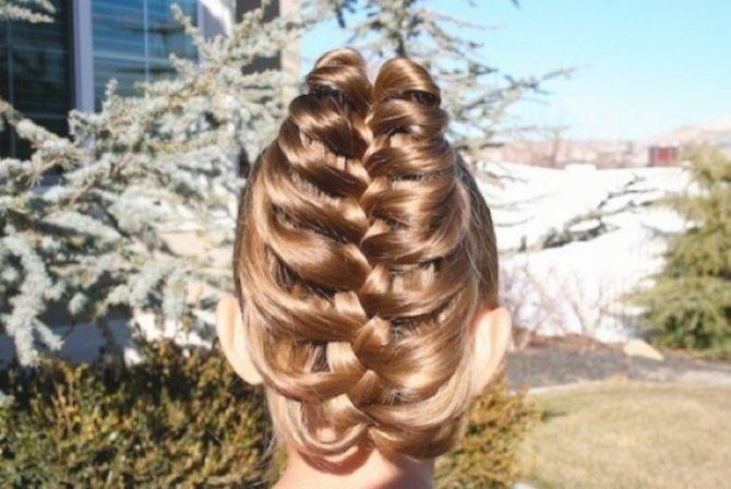 Плетение косы на карандаше