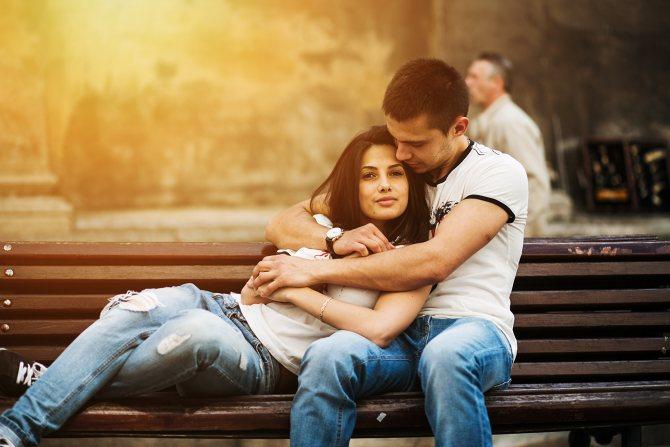 Почему девушка отказывается целоваться в губы? Отвечает Игорь Лапин