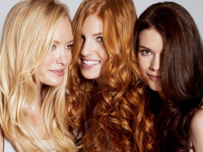 Почему девушки перекрашивают волосы