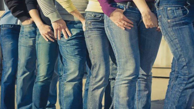 Почему красятся джинсы при носке, красят ноги, одежду?