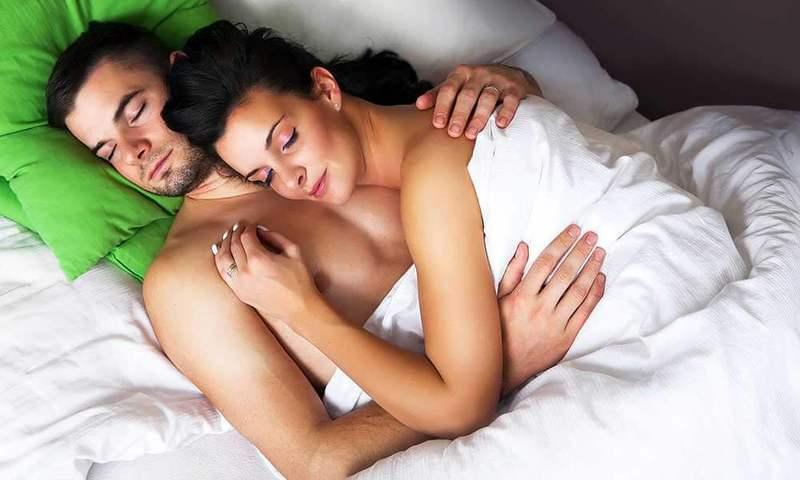 Почему лучше спать раздельно со своей второй половиной