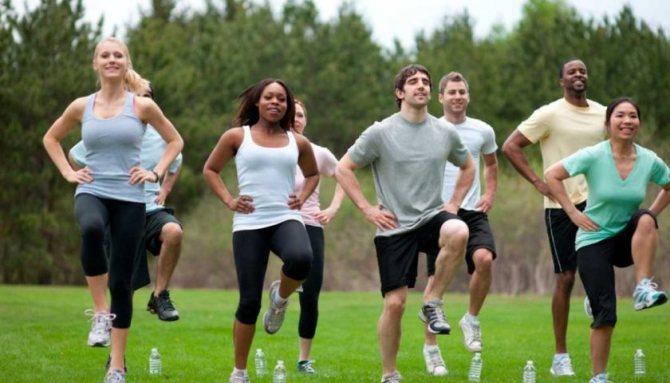 Почему упражнения на свежем воздухе полезнее, чем дома.