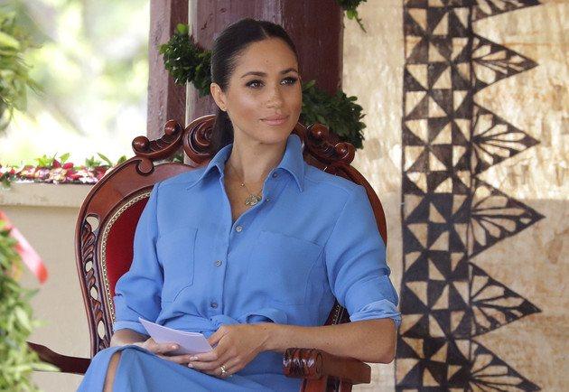 Поговаривают, Меган Маркл даже готова судиться с королевой за право вернуть себе бренд