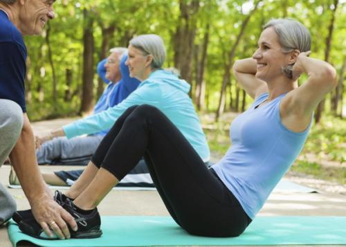 Польза фитнеса для женщин после 40 лет. Какие упражнения лучше всего делать после 40 лет женщине?