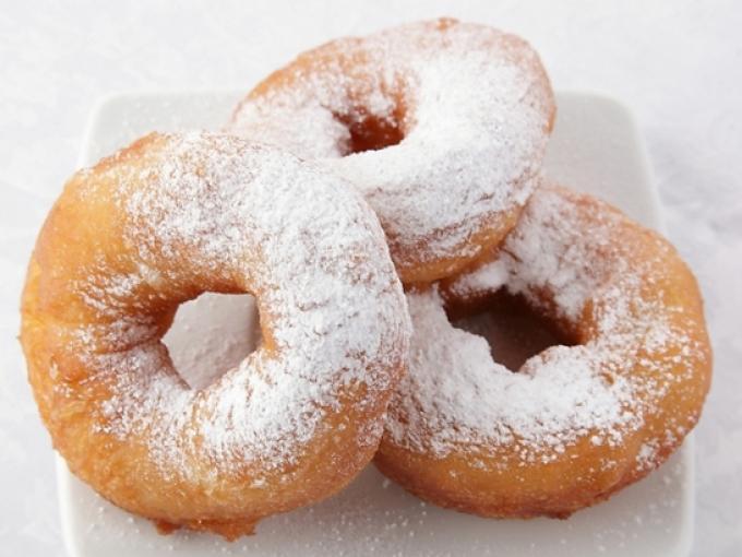 Пончики обычно жарятся во фритюре / smak.ua