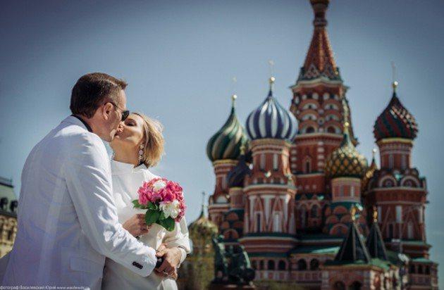 После официальной части супруги отправились на прогулку по Москве