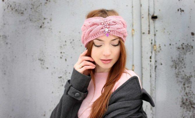 Повязка на голову: как красиво завязывать повязку на волосах и с чем ее носить