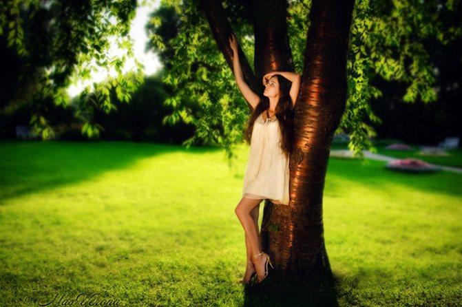 Позы-для-фотосессии-на-природе-летом5