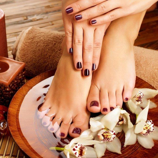 Правила ухода за кожей ног и ногтями