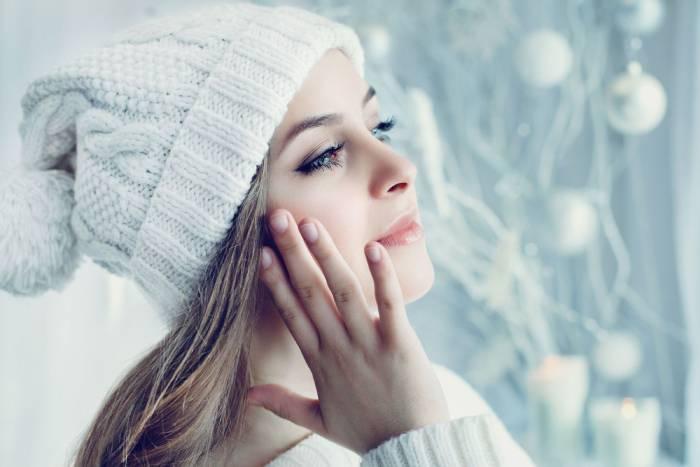 Правила ухода за нарощенными ресницами в зимнее время