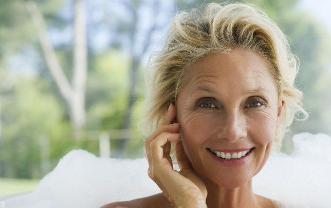 Правильный макияж для женщины старше 50