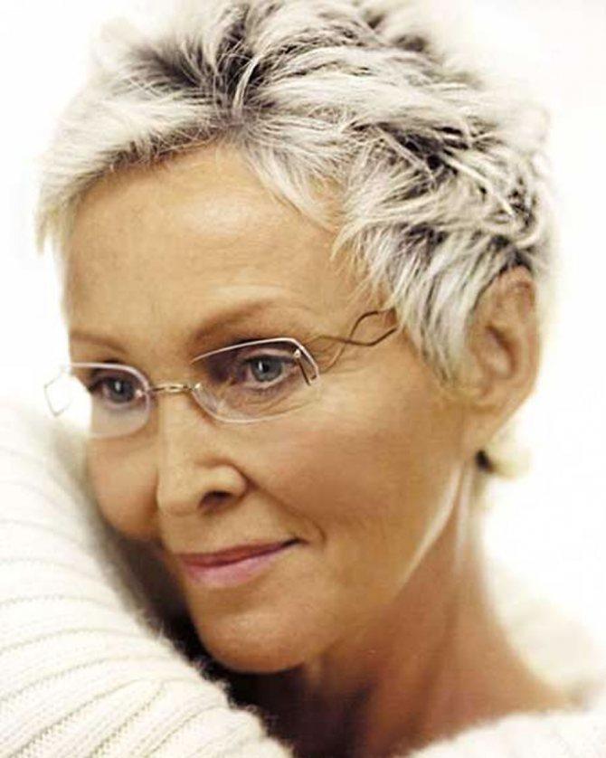 прически для женщин старше 60 лет фото