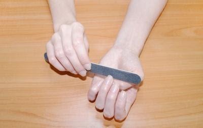 Придаем форму ногтю