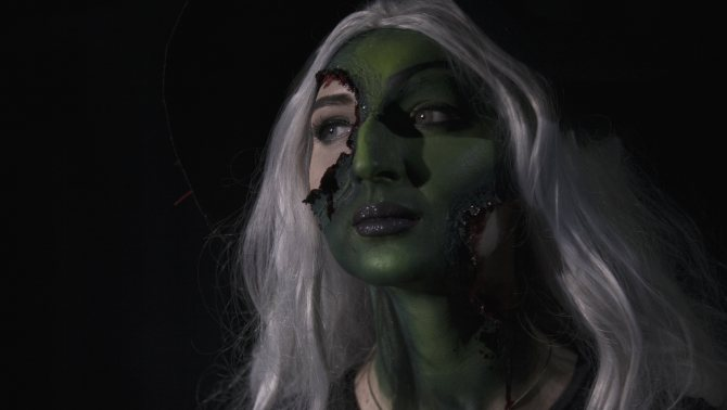 Приглашенные гримеры Влад Варганкин и Маргарита Кривцова создали образ ведьмы Бастинды из сказки «Волшебник страны Оз».