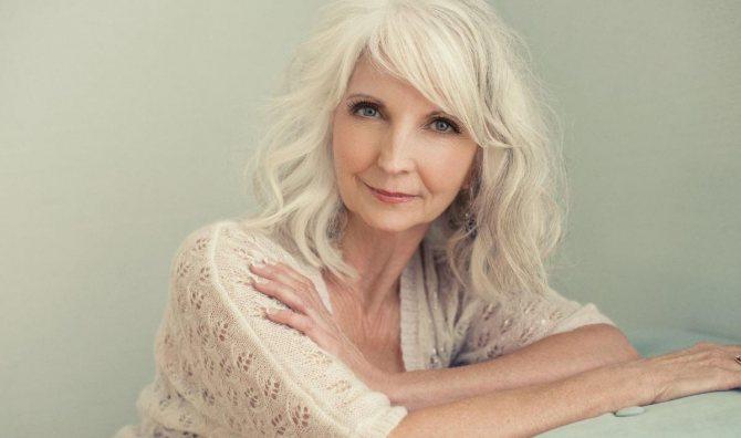 Привлекательная женщина старше 50