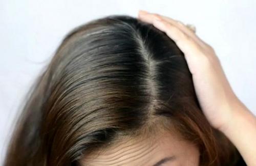 Пробор на голове у женщин по типу лица. Прямой