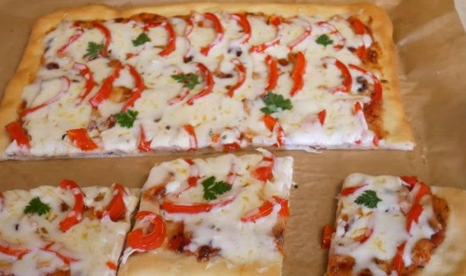 Простой рецепт пиццы с курицей в духовке