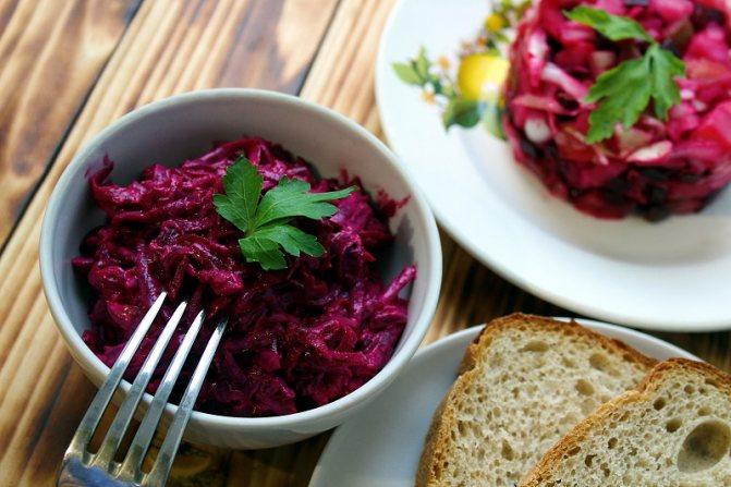 простой салат со свеклой и сыром