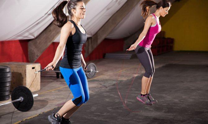 Прыгать на скакалке для похудения