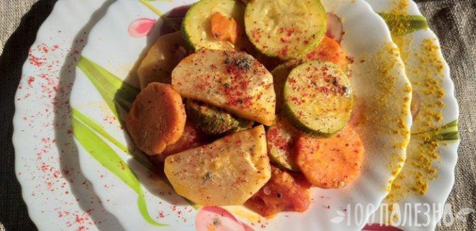 Рагу из кольраби с кабачком и морковью