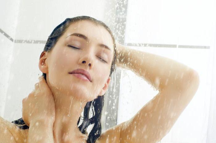 растирание тканей в душе или ванне