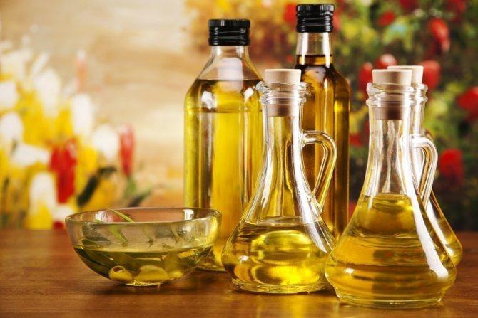 растительное масло в стеклянных колбах