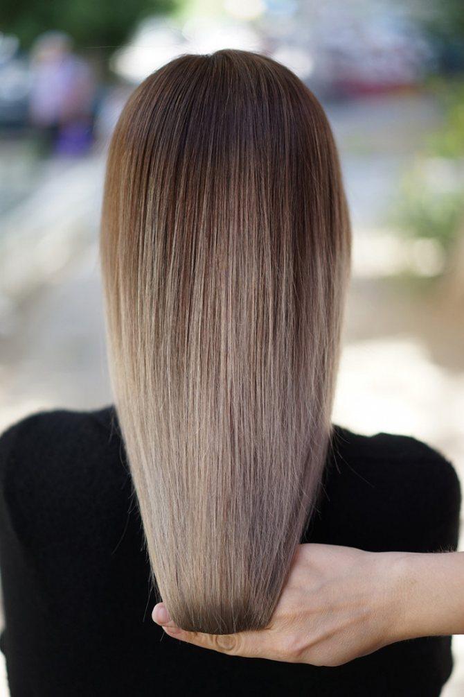 Растяжка цвета на волосах
