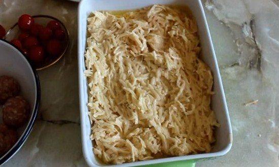 разложить картофельную массу