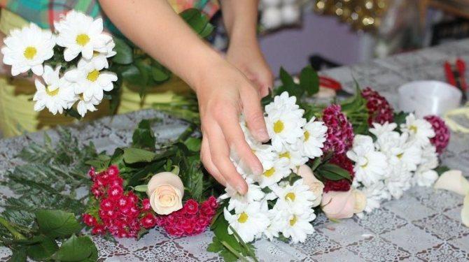 Разные цветы для букета