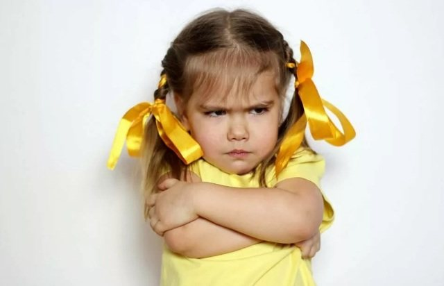 Ребенок капризничает
