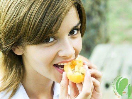 Роль абрикосового масла в домашней косметологии