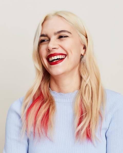розовые кончики волос