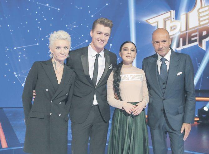 С Алексеем Воробьевым, Елкой и Игорем Крутым на съемках проекта «Ты супер!»