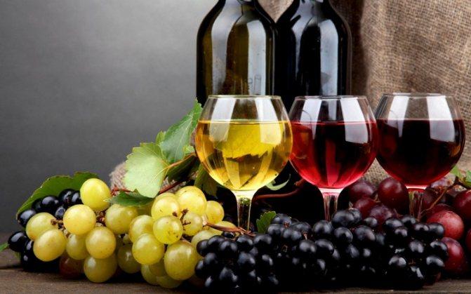 С чем пьют белое и розовое игристое вино